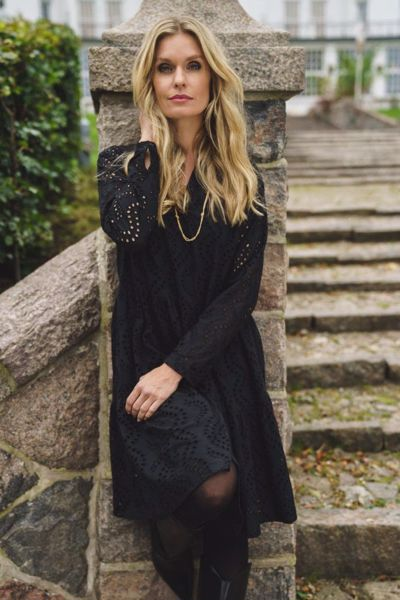 Infront Kjole Lucy Black